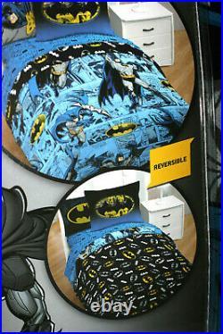 Batman Batman Comics Twin Bed Set With Reversible Comforter + Bonus Tote