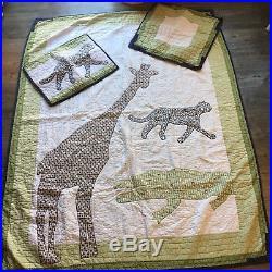 Pottery Barn Kids Quilt Zoo Animals Boys & Girls Twin Set. Pillow, Sham Bedding